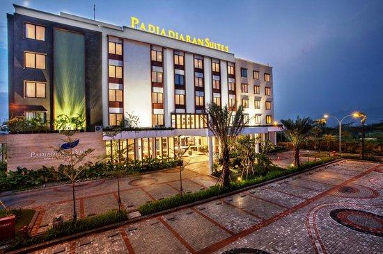 Padjadjaran Suites Hotel BogorRoom Photo