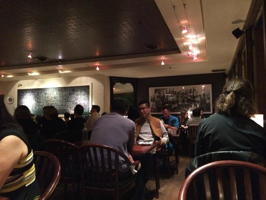 Zefferelli's: The dinning area