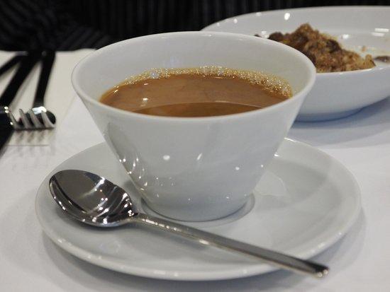 Hotel BLU: Breakfast coffee served in Azure Lounge.