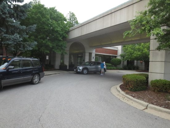 Hyatt Regency Deerfield: The Front