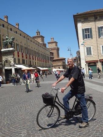 Le Mura di Ferrara: Biking Ferrara