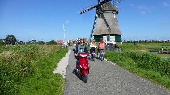 Scooter Experience: Mill near Volendam
