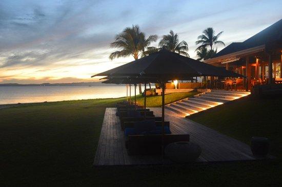 Hilton Fiji Beach Resort & Spa: Bar area