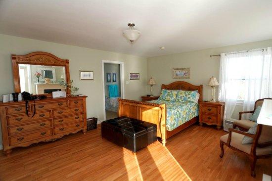 Capeway Motel : Spacious suite