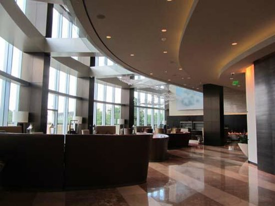Omni Dallas Hotel: plenty of room