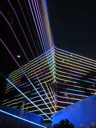 Omni Dallas Hotel: at night