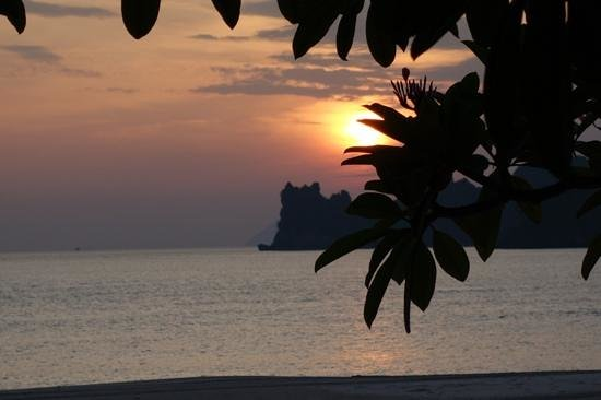 Four Seasons Resort Langkawi, Malaysia : On the other hand, the sun set is good