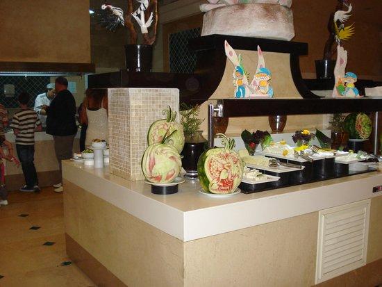 Horus Paradise Luxury Resort: В мае,арбузы ещё зелёные.
