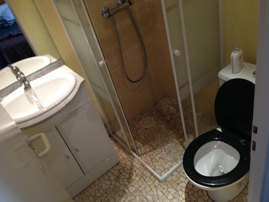 Eric Hotel : Salle de bain