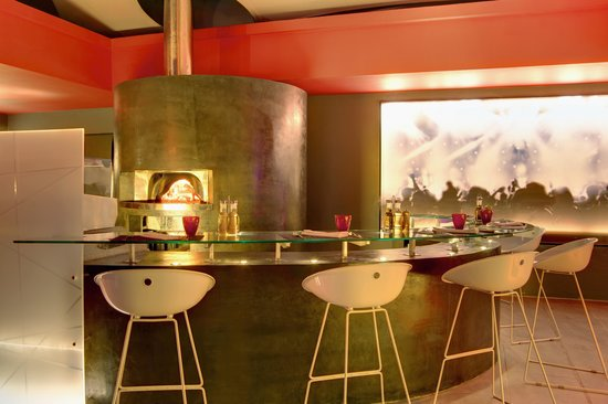 Hennessy Park Hotel : Pizza Bar