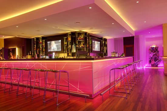 Hennessy Park Hotel : Bar