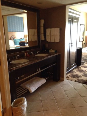 Prescott Resort & Conference Center : The bathroom sink/vanity