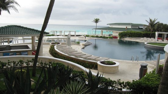 Sandos Cancun Lifetyle Resort: Pool Area