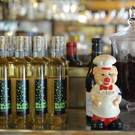 Le Comptoir Canaille : Le vin blanc basilic maison