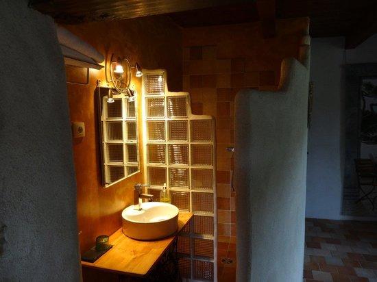 La Terrasse de Peyre: The bathroom in 'La Vallée'