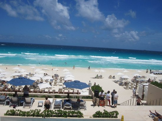 Secrets The Vine Cancun : beach