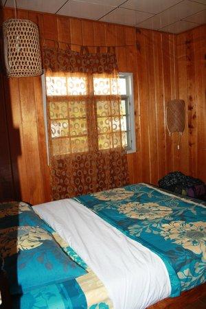 The Ngimat Ayu House: the room