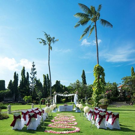 White Rose Kuta Resort, Villas & Spa: Wedding Setup - Western Style