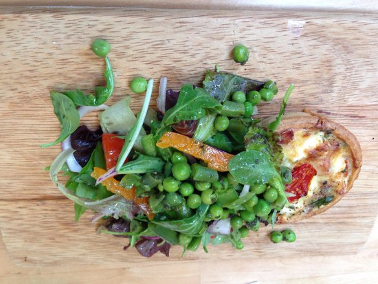 Zest Cafe: Savoury tart with a taste bud popping pea salad .... I just wanted more ....