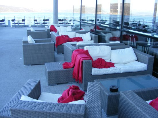 Thon Hotel Kirkenes: Outside seating