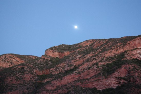 Makkedaat Caves: The moon still visible early morning