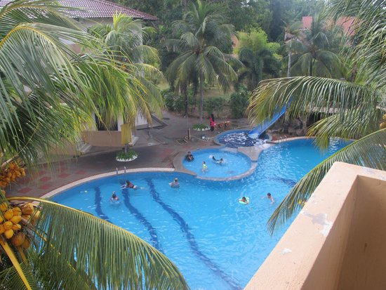 Rompin Beach Resort: Pool view from 3rd floor room