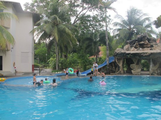 Rompin Beach Resort: Kids pool