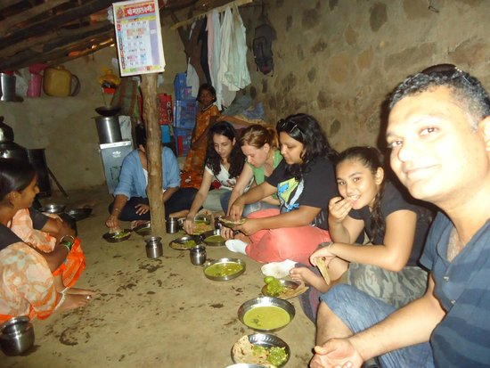 Grassroutes: eating in villager homes