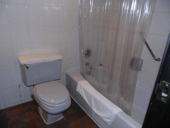 Best Western Plus Hotel le 18: Bathroom