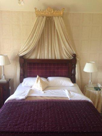Longueville House Hotel: Beautiful Bedroom!