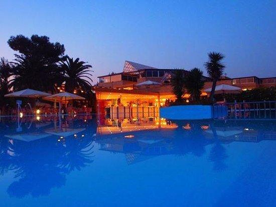 Victor Village Residence Award-Winning Specialty Resort 2