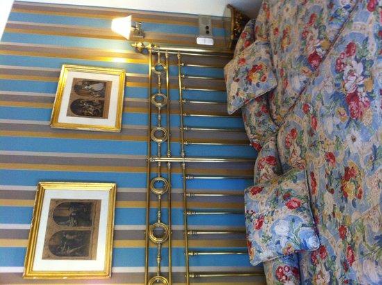Hotel Dona Maria : お部屋ベッド