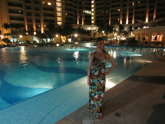 The Royal Sands: One of the pools!