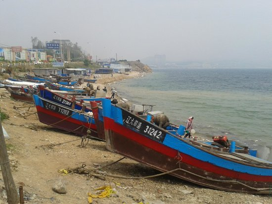 Port Athur: fishing boats on the beach