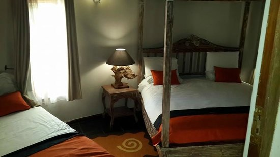 iNtaba River Lodge: 1 of the Rooms - Fish Eagle