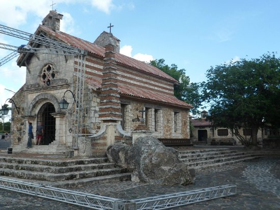 Altos de Chavon: la iglesia