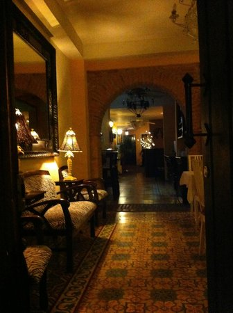 Casa Naemie: entree reception