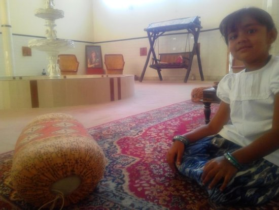 Rawla Mrignayani Palace: Diwan