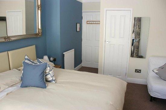 St.Bernards Guesthouse: Bedroom 3