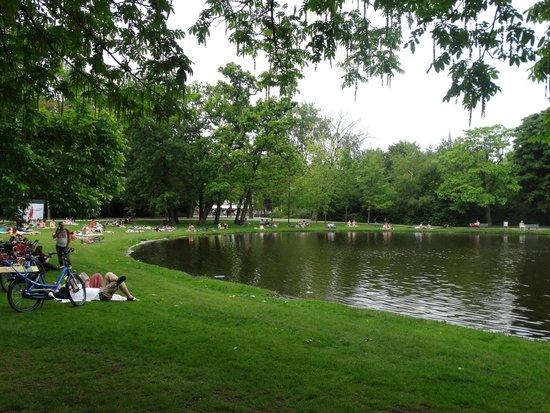 Vondelpark : Small pond