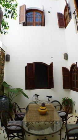 Christina's House : Outdoor dinning