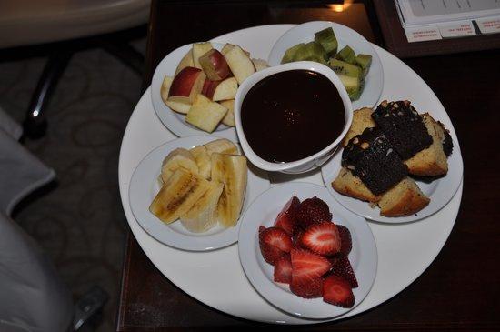 Swissotel Ankara : dessert from room service