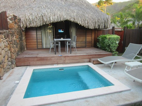 Manava Beach Resort & Spa - Moorea: Bungalow jardin piscine