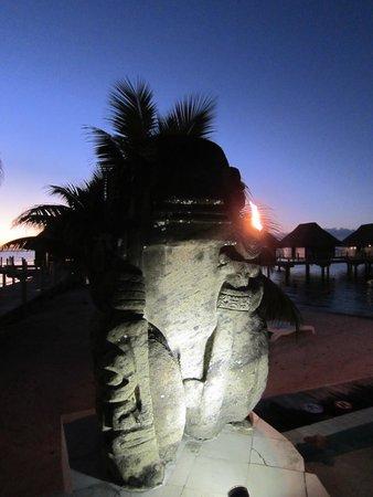 Manava Beach Resort & Spa - Moorea : Tiki