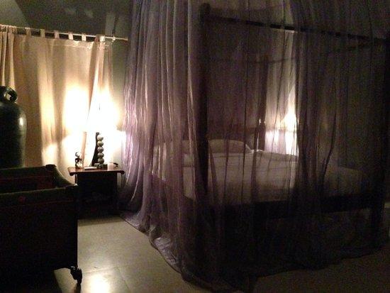 La Villa Mathis : King bed, very luxurious