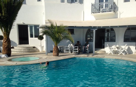 Golden Star Hotel : One view of the pool