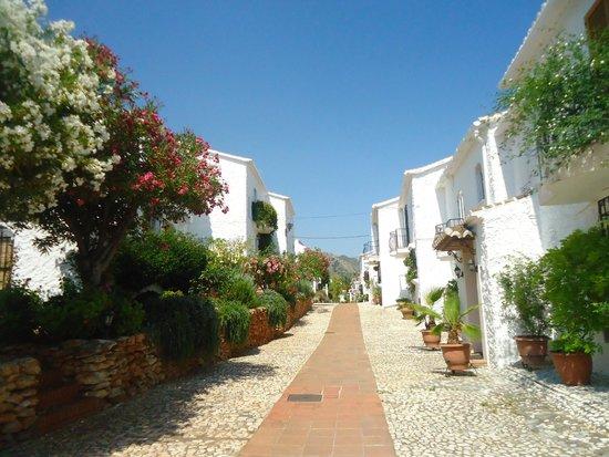El Capistrano Villages: Calle de la urbanizacion