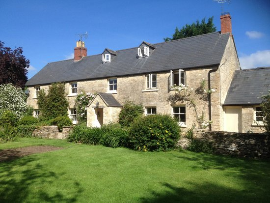 The long house bed breakfast cirencester b b reviews for Bed and breakfast home