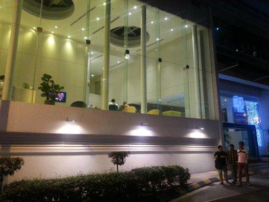 Ansa Kuala Lumpur: Hotel Reception (view from outside)