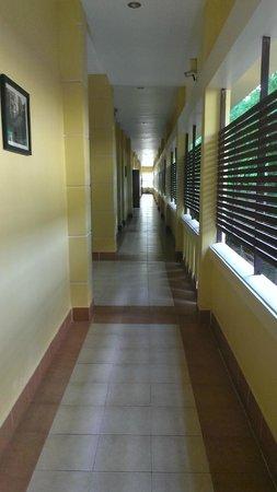 Angkor Heritage Boutique Hotel: Corridor/veranda